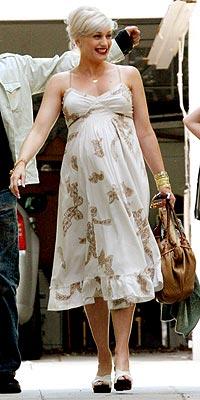 FLORAL DISPLAY photo | Gwen Stefani
