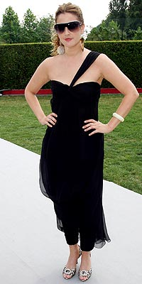 DREW BARRYMORE: HIT photo | Drew Barrymore