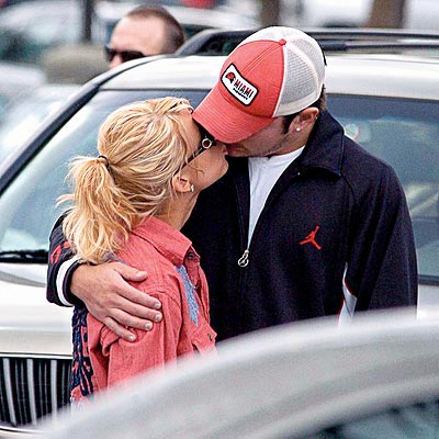 FEB. 13 photo | Jessica Simpson, Nick Lachey
