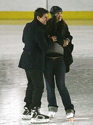 HOLIDAY ON ICE photo | Katie Holmes, Tom Cruise