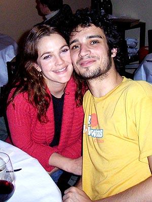DREW & FABRIZIO photo | Drew Barrymore, Fabrizio Moretti