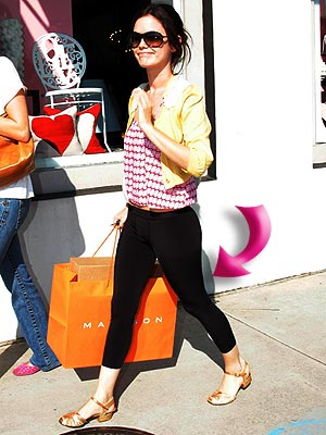RACHEL'S LEGGINGS photo | Rachel Bilson