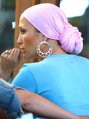 J.LO'S HEADSCARF photo | Jennifer Lopez