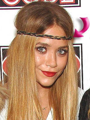 MARY-KATE'S HEADBAND photo | Mary-Kate Olsen