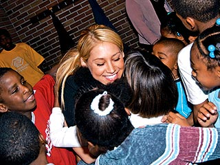 Anna Kournikova&#39;s Katrina Mission| Anna Kournikova