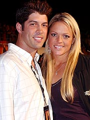 Softball Champ Jennie Finch Expecting