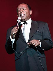 Singer Lou Rawls Dies at 72| Lou Rawls