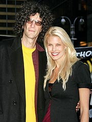 Howard Stern's Fiancée: 'We're Not Married!' | Howard Stern