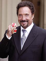 Singer Tom Jones Is Knighted | Tom Jones (Musician)