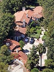 Ryan Seacrest Buys Kevin Costner's House| Kevin Costner, Ryan Seacrest
