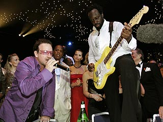 Bono Surprises Monte Carlo Revelers | Bono, Jay-Z, Petra Nemcova, Wyclef Jean