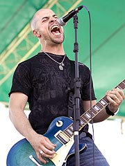 Chris Daughtry Inks Record Deal | Chris Daughtry