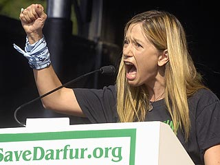 Mira Sorvino Fights for Darfur | Mira Sorvino