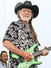 Willie Nelson Arrested for Marijuana Possession | Willie Nelson