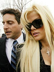 Anna Nicole Smith Talks About Her Love for Howard K. Stern