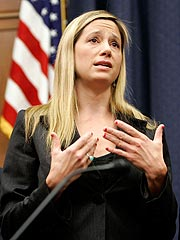 Mira Sorvino Speaks to Congress on Darfur | Mira Sorvino