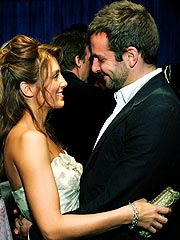 Bradley Cooper & Jennifer Esposito Engaged | Jennifer Esposito