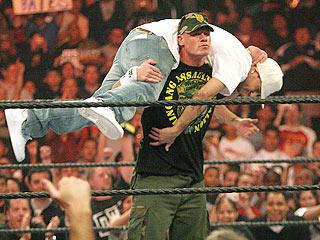 Kevin Federline Gets Body Slammed at a WWE Event