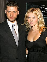 Reese Witherspoon & Ryan Phillippe Split