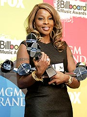 Mary J. Blige Dominates Billboard Awards | Mary J. Blige