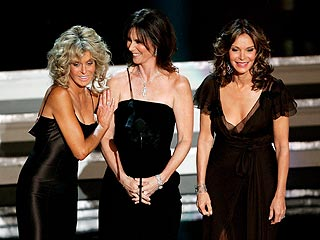 Mariska, Kiefer Score First-Time Emmys| Primetime Emmy Awards 2006, John Krasinski, Mariska Hargitay, Actor Class, RolesClass, Individual Class