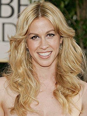 Golden Globes 06 Best Amp Worst Hair Alanis Morissette