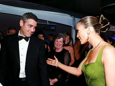 CATCHING UP photo | George Clooney, Jennifer Lopez