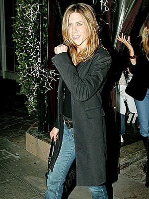 DINNER DATE  photo | Jennifer Aniston