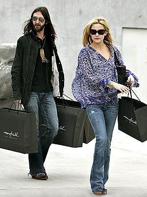 DENIM DUO  photo | Chris Robinson, Kate Hudson