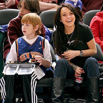 FAMILY BONDING photo | Lindsay Lohan