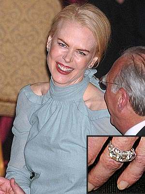 PAYING TRIBUTE photo | Nicole Kidman