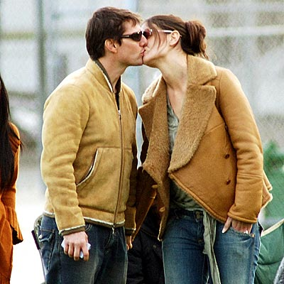 WARMING UP photo | Katie Holmes, Tom Cruise