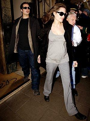 BYE-BYE, BRITAIN photo | Angelina Jolie, Brad Pitt