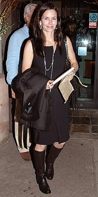 'WEDDINGS' GUEST photo | Courteney Cox