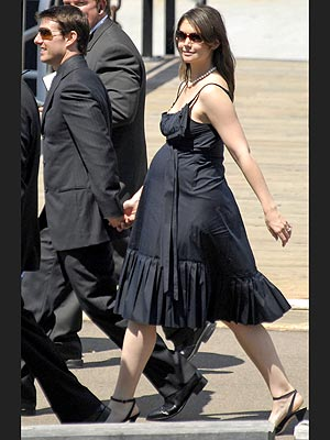 BABY WALK photo | Katie Holmes, Tom Cruise