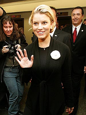 ALL SMILES photo | Jessica Simpson