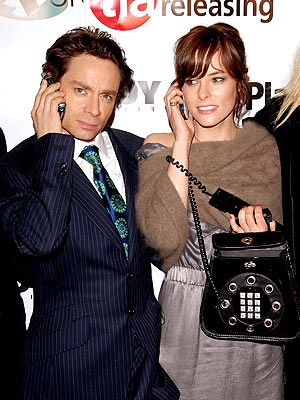 GOOD RECEPTION photo | Chris Kattan, Parker Posey