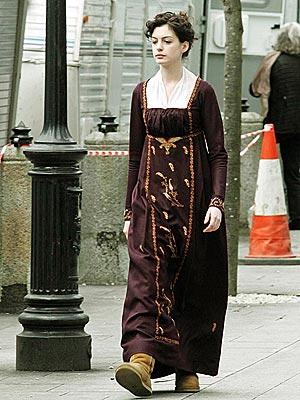 MODERN COMFORT photo | Anne Hathaway