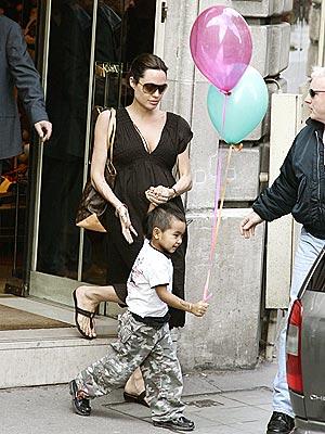 POP STAR photo | Angelina Jolie