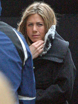 CHILLING OUT photo | Jennifer Aniston
