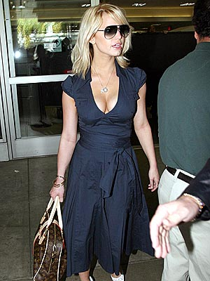 FIRST CLASS photo | Jessica Simpson