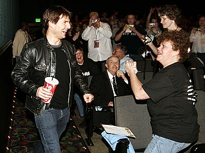 4. THEIR SCREENING WITH FANS  photo | Tom Cruise
