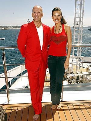 RED ALERT photo | Bruce Willis, Petra Nemcova