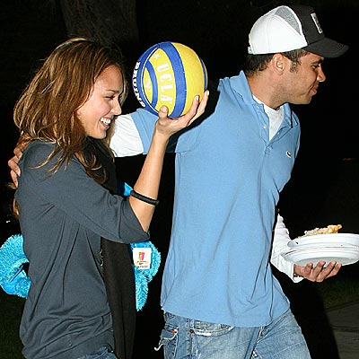 CASH & CARRY photo | Jessica Alba