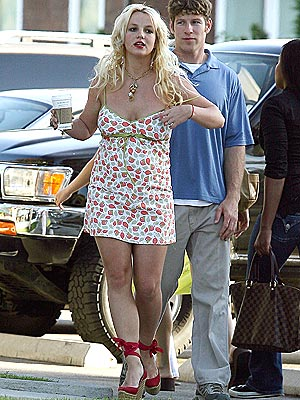TO-GO CUP photo | Britney Spears