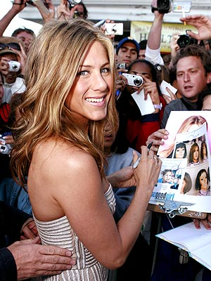 FAN FAVORITE photo | Jennifer Aniston