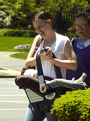 BABY ON BOARD photo | Jennifer Garner