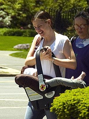 BABY ON BOARD photo | Jennifer Garner