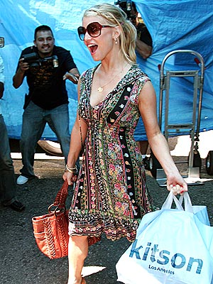 RETAIL THERAPY photo | Jessica Simpson