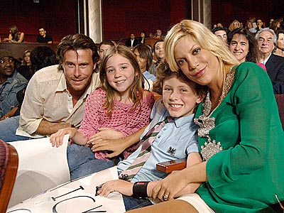 IDOL TIME photo | Dean McDermott, Tori Spelling